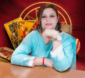 famous tarot reader in south Delhi